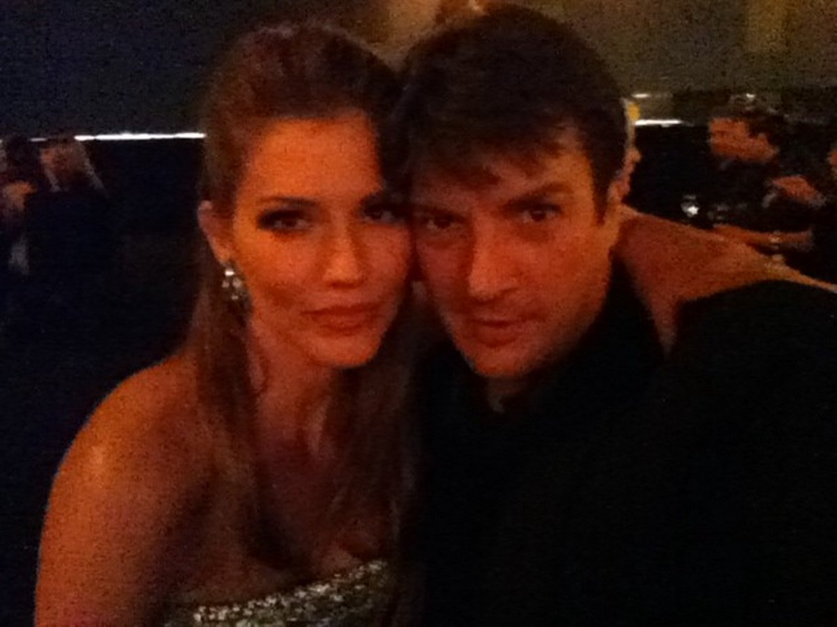 "Иоанн XX on Twitter: ""@br_ricke Nathan Fillion and Tricia Helfer. #ConMan  Wray&Louise It looks?! https://t.co/RBNO9GduuV"""