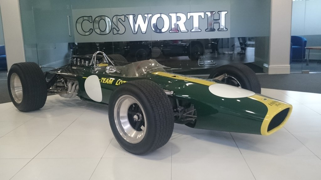 Look what's arrived back to #cosworth HQ! #dfv #lotus49 https://t.co/qGHiMyPoLv