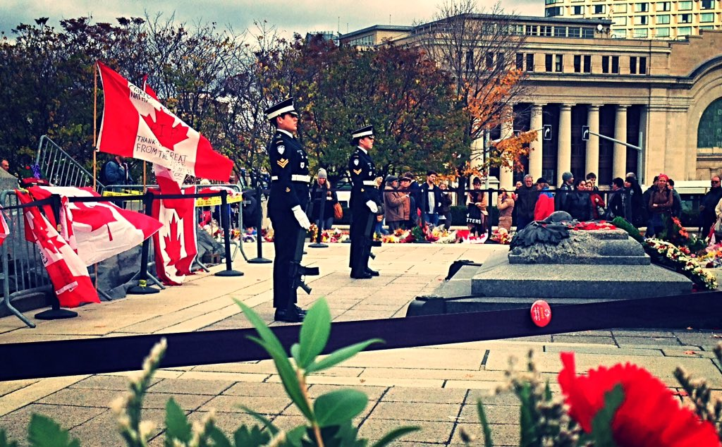 Today we honour #PatriceVincent & #NathanCirillo one year later. #CanadaStrong #OttawaStrong #LestWeForget https://t.co/XC6CYwEPKo