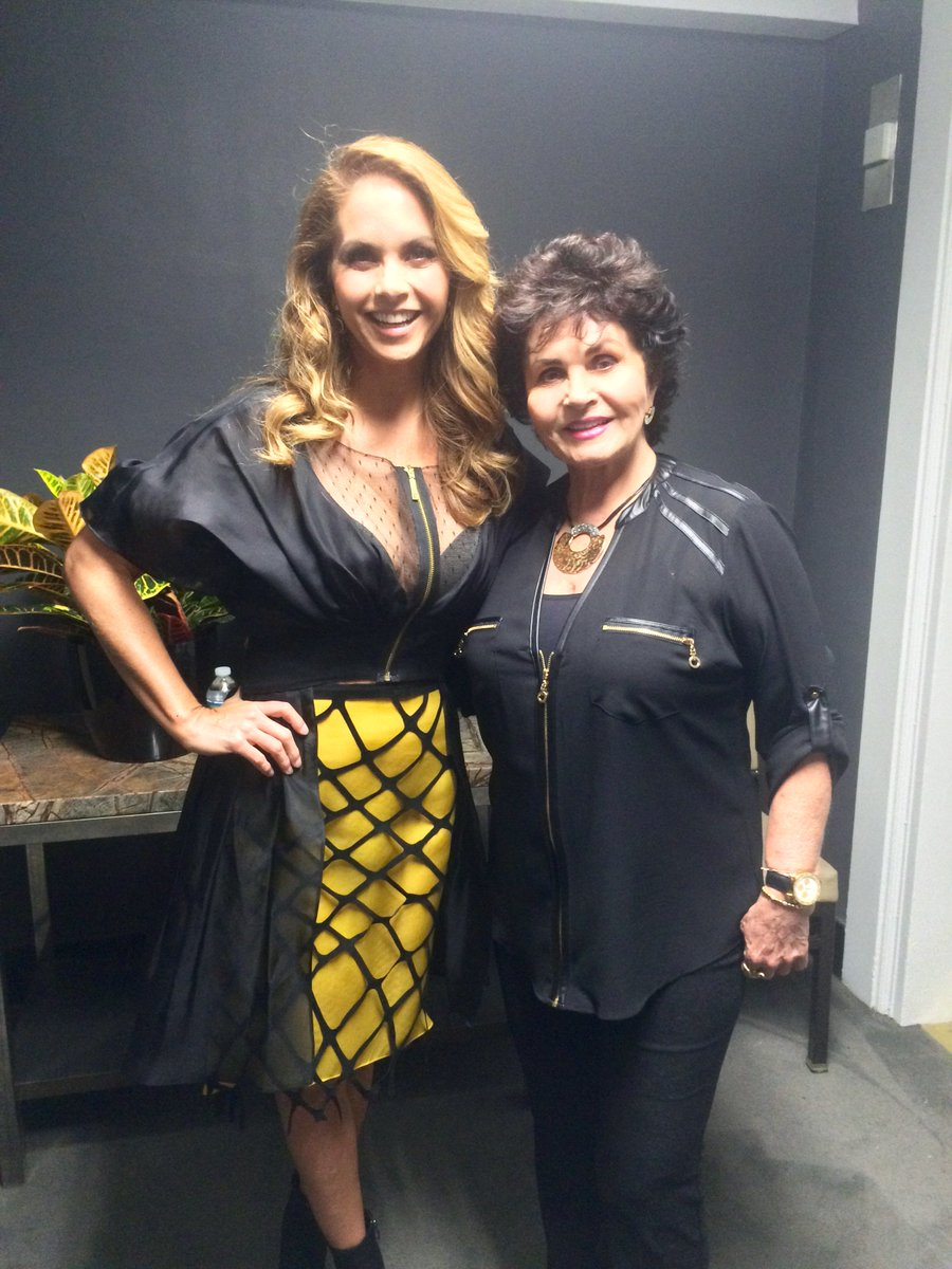 Take a peek backstage at #HispanicTVSummit @LuceroMexico with her mom https://t.co/h94UhkRrln https://t.co/17kEoj3YWF