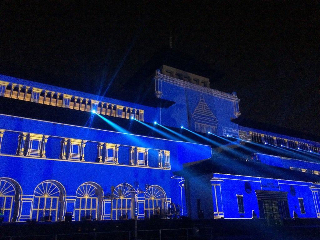 Ketemu lagi, kali ini Gedung Sate membiru berkostum #Persib ?