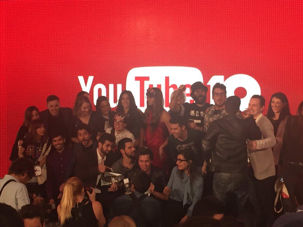 Todo un mundo el de los youtubers!!!  Felicidades #10añosdeYouTube @melmcwey Maria F. https://t.co/1e0eqr70di