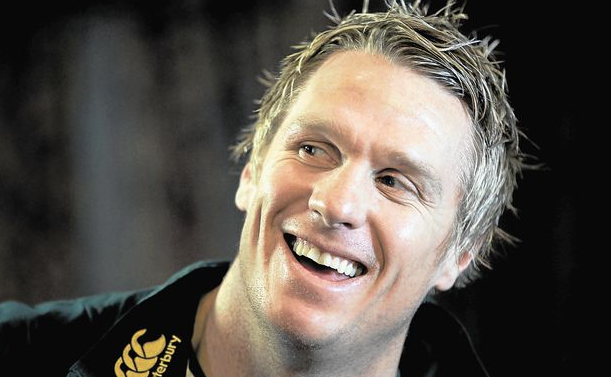 The @LeicesterTigers will announce the signing of Jean de Villiers very soon. https://t.co/eyG0GLIFsw https://t.co/O7q4n1S2WC