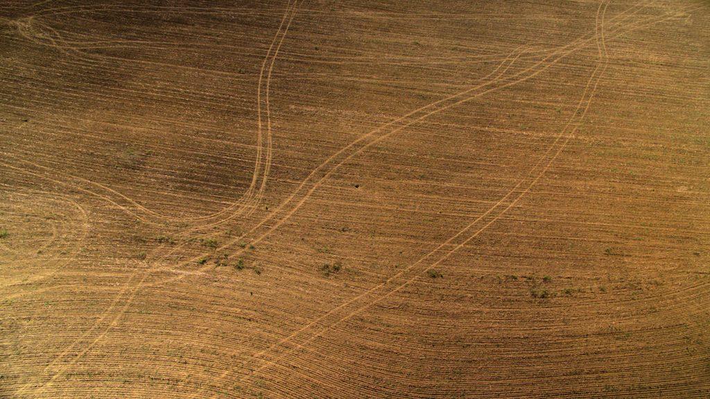 Aplicaciones de los #drones en la agricultura de precisión https://t.co/dlOG7LeIt1 #AET2015 #agroprecision https://t.co/iv6U0Bm2wk #GIS