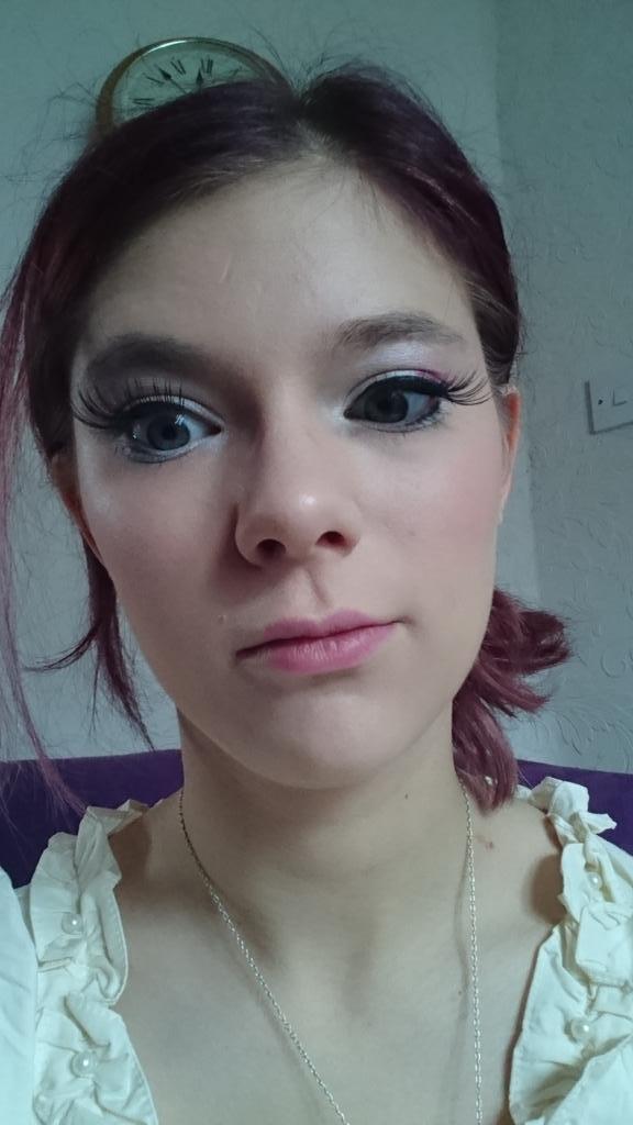 Lauren On Twitter My Eyelashes Look Like Yzma From