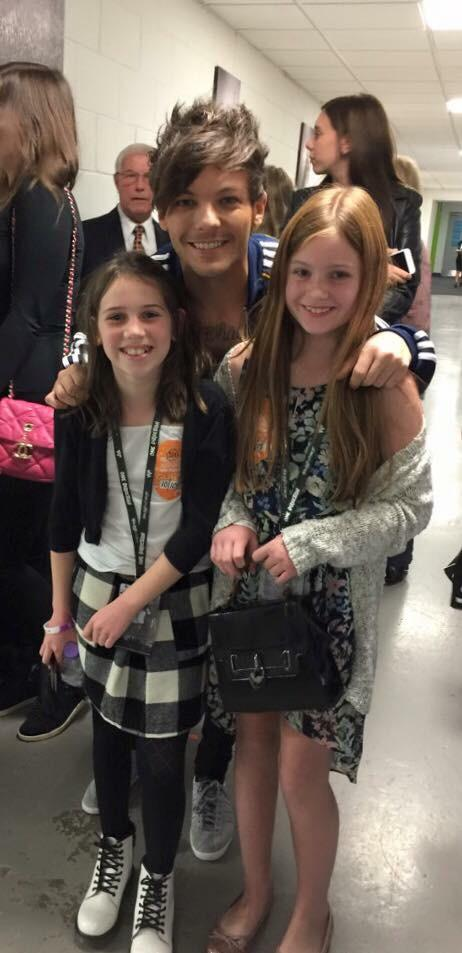 @JohannahDarling @fizfizfiz @Louis_Tomlinson @lottietommo Thank you so much for last night. Your an amazing family x http://t.co/KNZPQ8Fl93