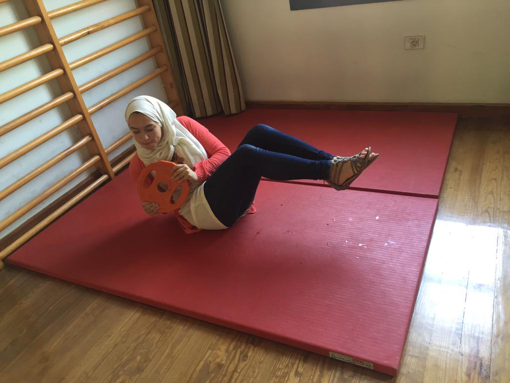 "Psychology Junior, Sara Sabry, is also a Tennis player! She said, ""Carry on, just doing sit-ups."" #JRMC2202 #JRLWeb http://t.co/en5cyCeJ4c"