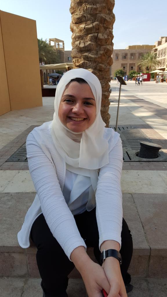 Cinderella Amir, IMC student, doesn't trust social media for news. She prefers Egypt Independent#JRMC2202#JRLWEB#AUC http://t.co/QIf775LZlp