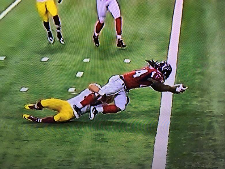 In the NFL, this can be an incomplete pass. http://t.co/VOEd4NYyKL