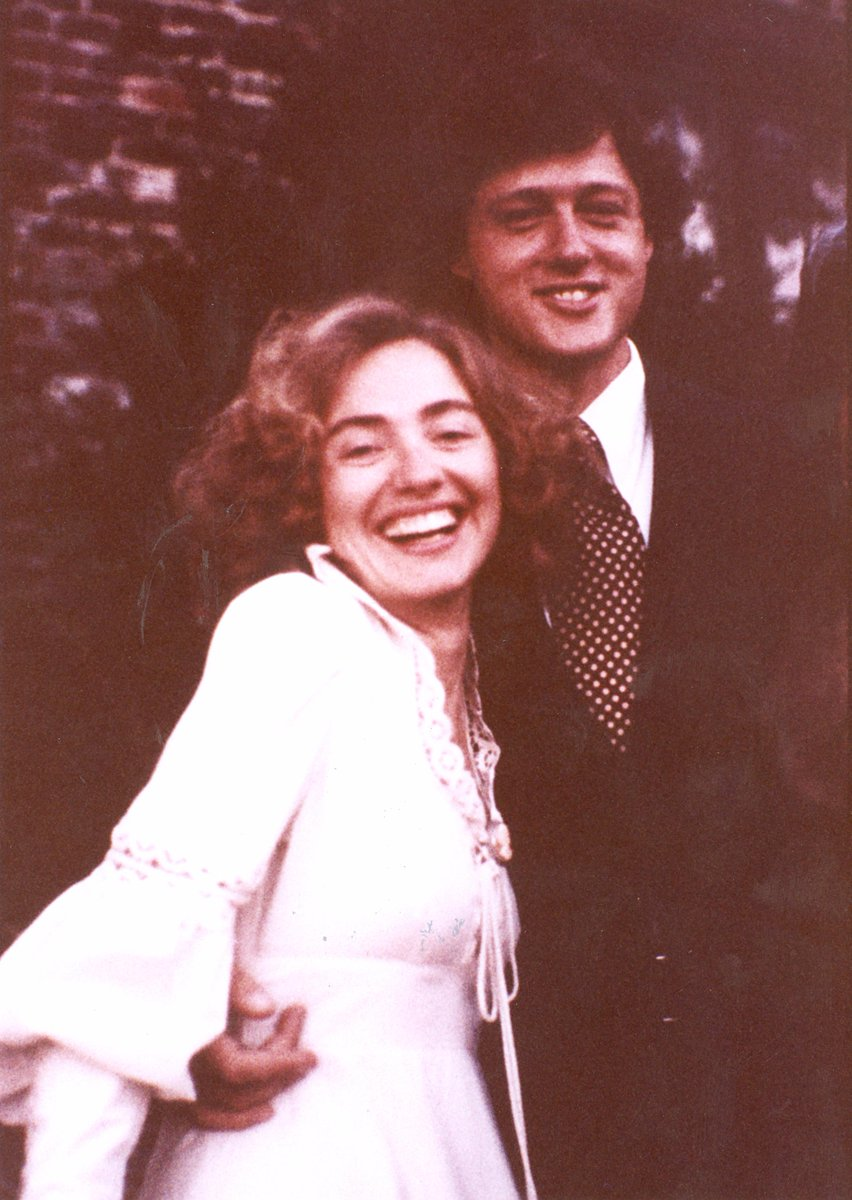 Hillary Clinton On Twitter 40 Years Ago I Married The Cute Guy From Library Hy Anniversary Billclinton You Ve Still Got It