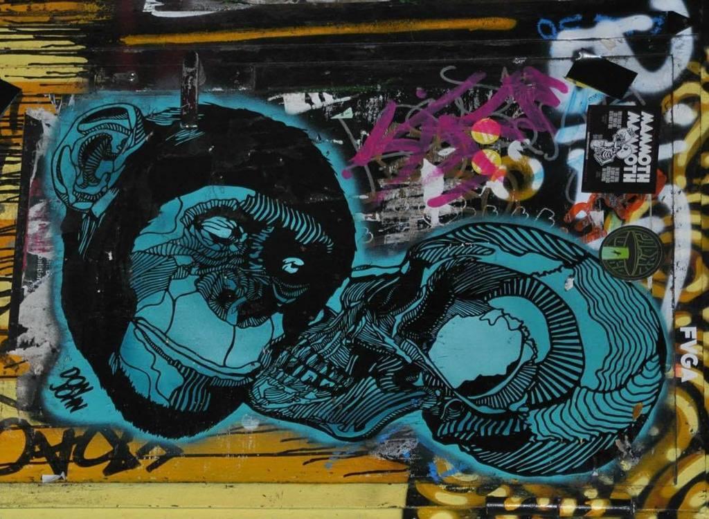 #berlin #stickers #streetartberlin #streetart #urban #urbanart #urbanartberlin #ikbineinberliner #theplacetobe #hau…pic.twitter.com/Gd9RUjc44X