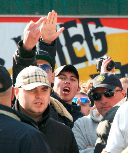 NVU activist Owen Koenekoop does nazi salute