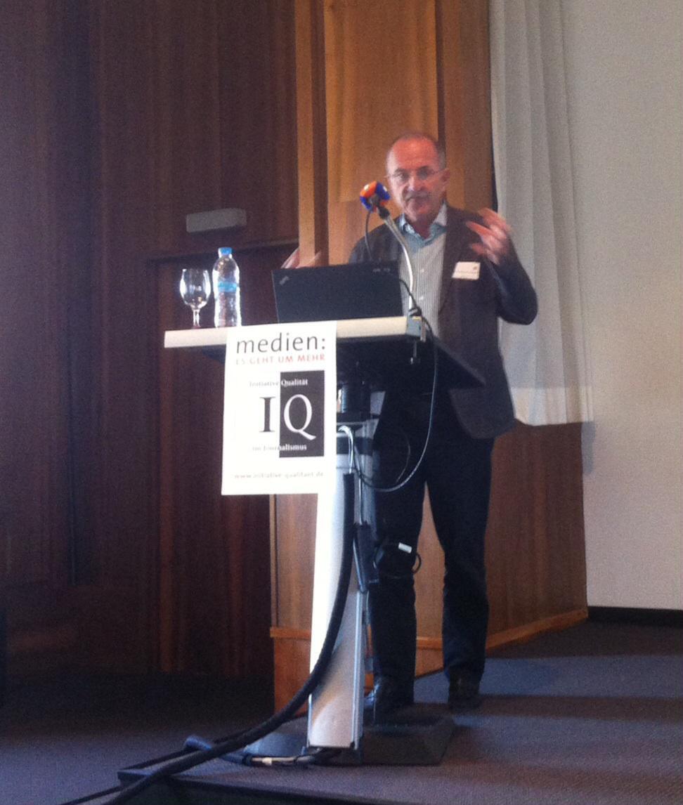 Prof. Ruß-Mohl: Staatliche Finanzierung würde Ende der Pressefreiheit bedeuten. #IQF15 http://t.co/h3w1hzrQaI