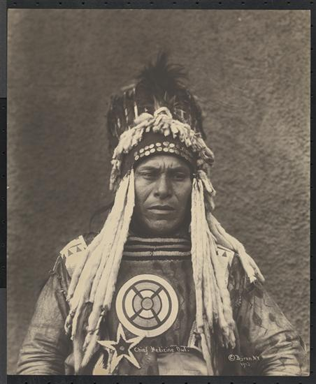 Happy #IndigenousPeoplesDay. This 1913 image is of Chief Medicine Owl of the Blackfoot tribe http://t.co/B21qMqIGKJ http://t.co/HOw7doFWhS