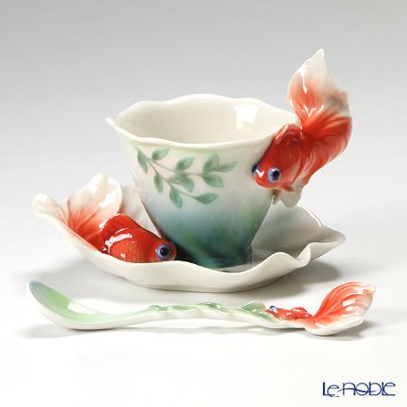 昔『金魚坂』という金魚の卸売りをやっているけど何故か喫茶店で中国茶も飲める。というお店に連れて行ってもらった時、出されたカップがあまりにも素敵で先日ふと思い出して調べたら、台湾のFRANZという所なんだけど、メーカー自体が凄かった。 pic.twitter.com/yOPM4N52dL