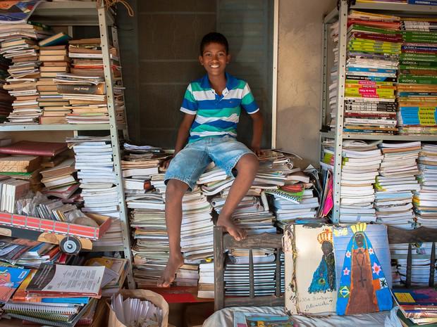 'Crianças precisam ler', diz garoto que arrecadou mais de 2 mil livros http://t.co/HuC4NmUTij #DiadasCrianças #G1