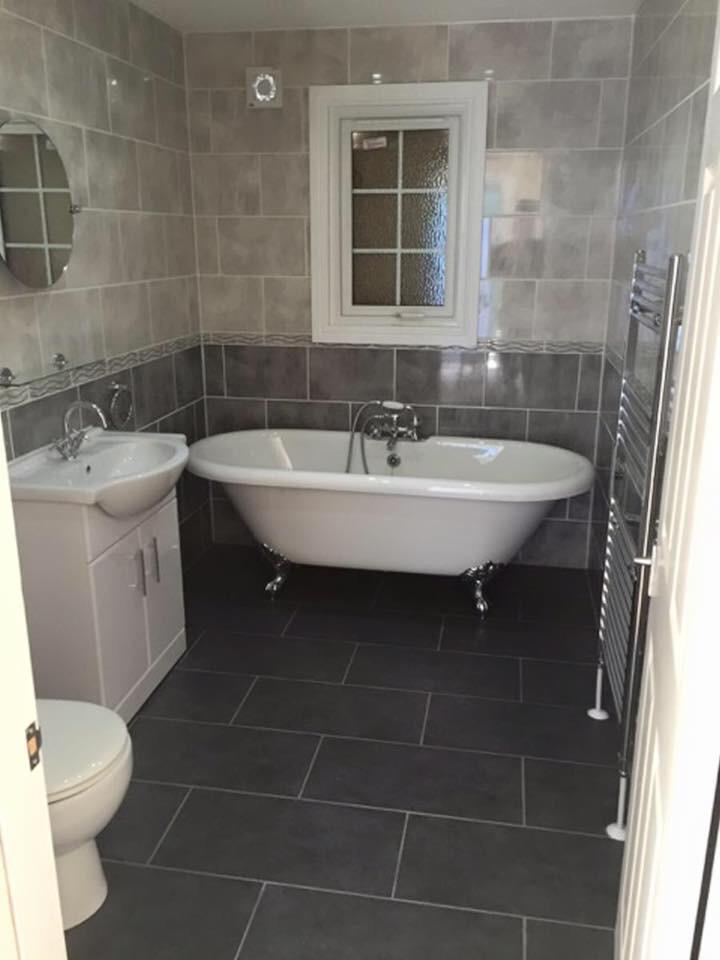 Oakwood Park Homes on Twitter   quot Two tone Grey bathroom with roll top bath and vanity sink unit  http   t co CLBRYyRUp3 quot. Oakwood Park Homes on Twitter   quot Two tone Grey bathroom with roll