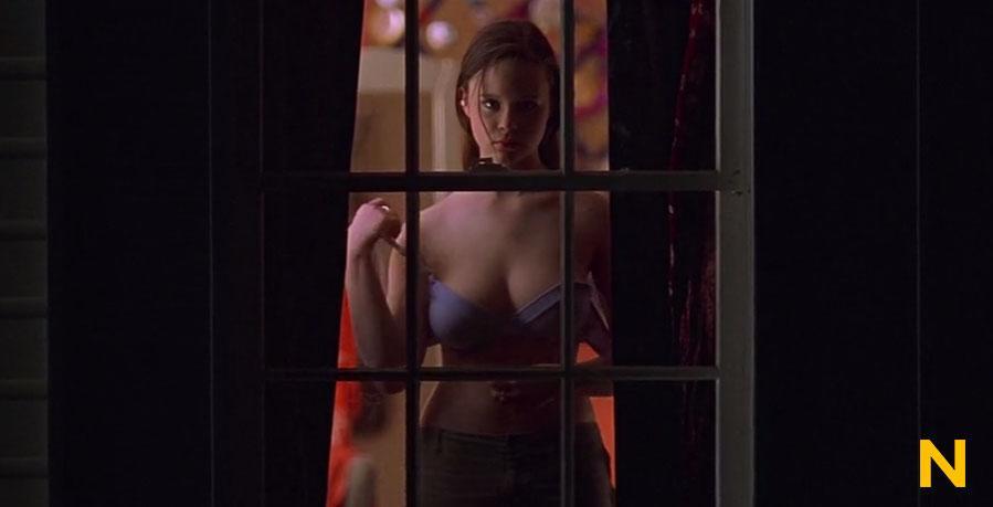 Mena survari sex scene american beauty