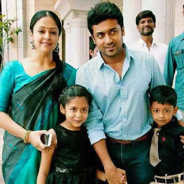 """Mounam Pesiyadhe 👈 On Twitter: """"Sweet Family #Suriya #Jyothika #Diya #Dev Good Morning..! Http"""