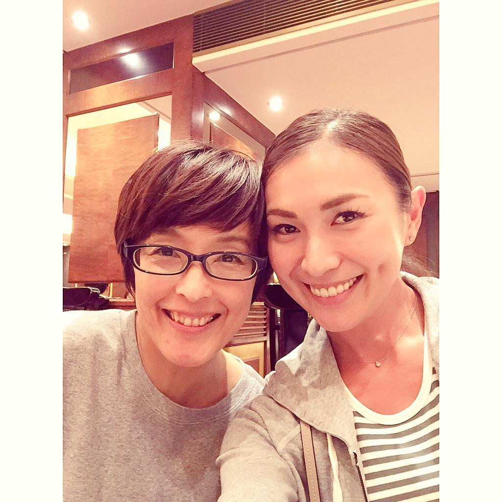 3連休を利用して、初めて香港に行ってきました♥久しぶりに、元おニャン子クラブの名越美香さんに再会してきました(*^^*) お食事しながら、色んなお話しが出来て 有意義な時間を過ごしました。 http://t.co/z65FyrFNdi
