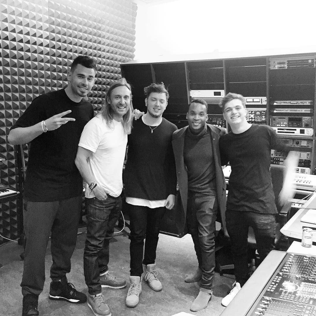 I can't believe we were all in the same studio!!! @djafrojack @boazvandebeatz Giorgio & @MartinGarrix !!!! Crazyyy http://t.co/b1n9ZC6wkU