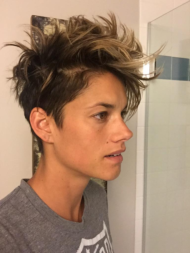 hot sexy women haircut