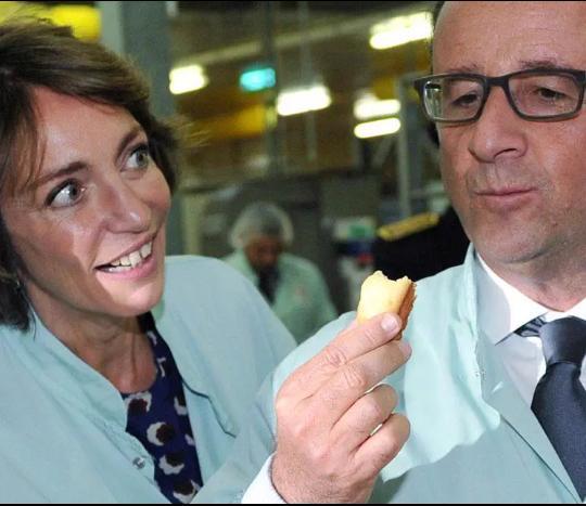 Image rarissime du président Hollande s'en prenant à un financier. (pic @AlexHervaud)