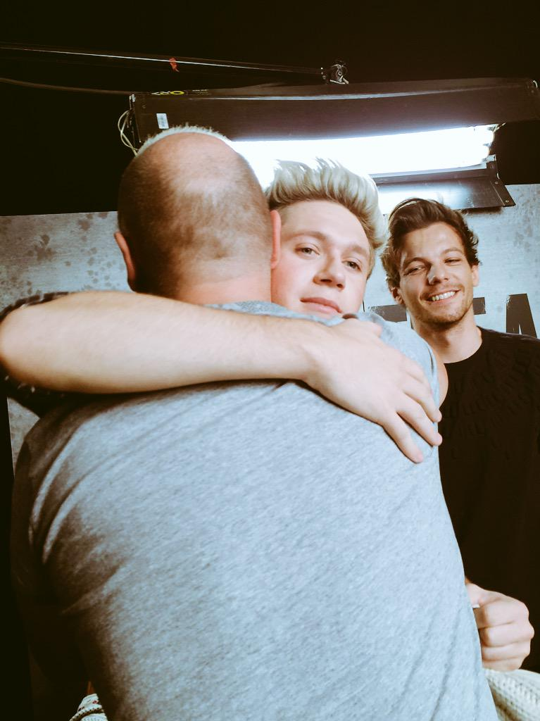 I love this picture @NiallOfficial happy to see you again .. Bientot sur @NRJhitmusiconly @onedirection http://t.co/ggAvHaIJcQ