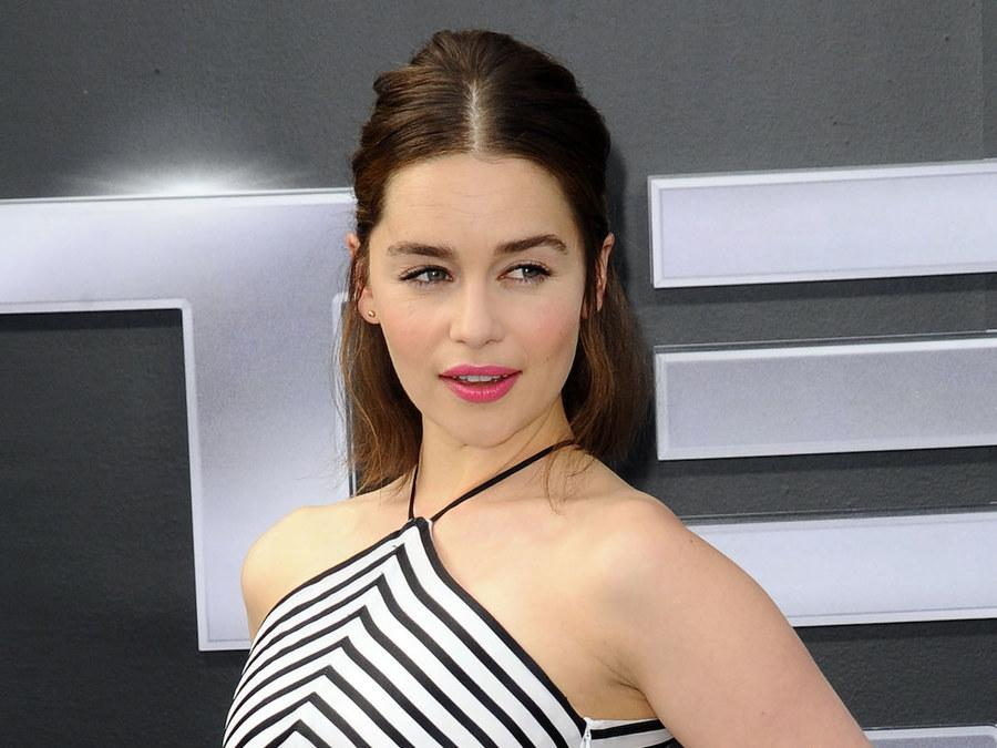 """The Mother of Dragons has officially been named Esquire magazine's """"Sexiest Woman Alive"""" http://t.co/i9rYFLHQCB http://t.co/uS8I25t5GC"""