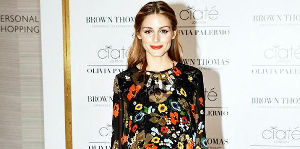 Olivia Palermo steps out in platform sneakers and totally owns it: http://t.co/ALXpeEDicP http://t.co/Pz7hN6DDj1