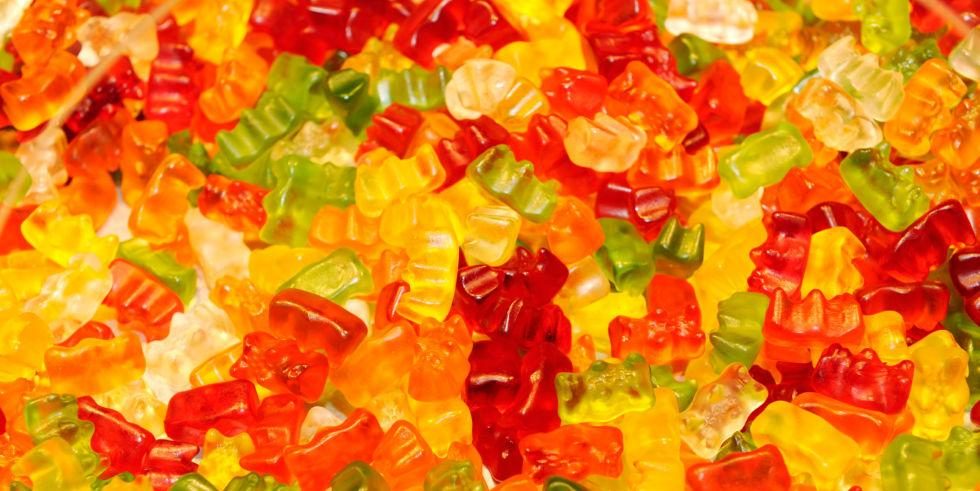 Halloween candy is THE BEST, but these 9 treats will haunt your body 🙅🍭🙅🍭http://t.co/4z58obP1mJ http://t.co/yi9MpuBzeR