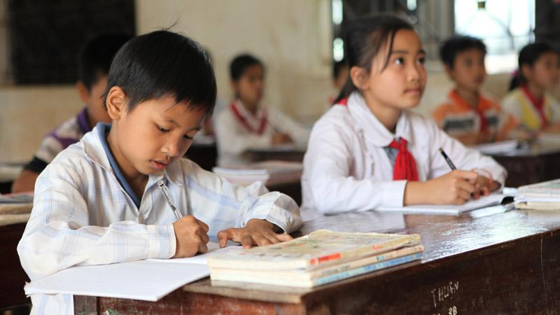 The school system in #Vietnam rests on one major foundation - learning by heart. http://t.co/2ijXxgxcvL #expat http://t.co/fEqOQyUk8Z