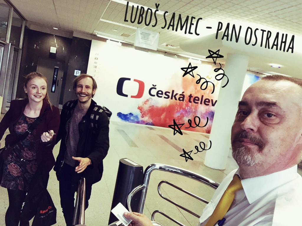 @kafeacigarko: Série selfíček s těmi, co nám na Stardancu pomáhají, ale nejsou videt:-) http://t.co/G66EJKTSQI