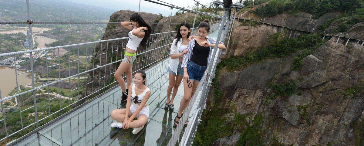 Brave Man's Bridge Sebagai Jembatan Kaca Pertama Di Dunia