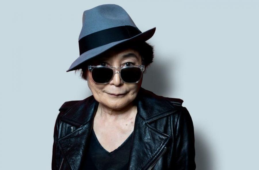 Nella Foto Yoko Ono.
