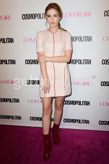 @zoeydeutch chic in pink at @Cosmopolitan 50th Anniversary Party in LA! #LelaRose #Resort2016 http://t.co/jBLdB1uRS3