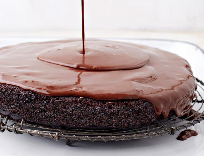 #NationalDessertDay I pick the #Vegan #ChocolateCake that cracked the code 4me 20+yrs ago @Engine2Diet weddingcake http://t.co/IJ08JUUXBw