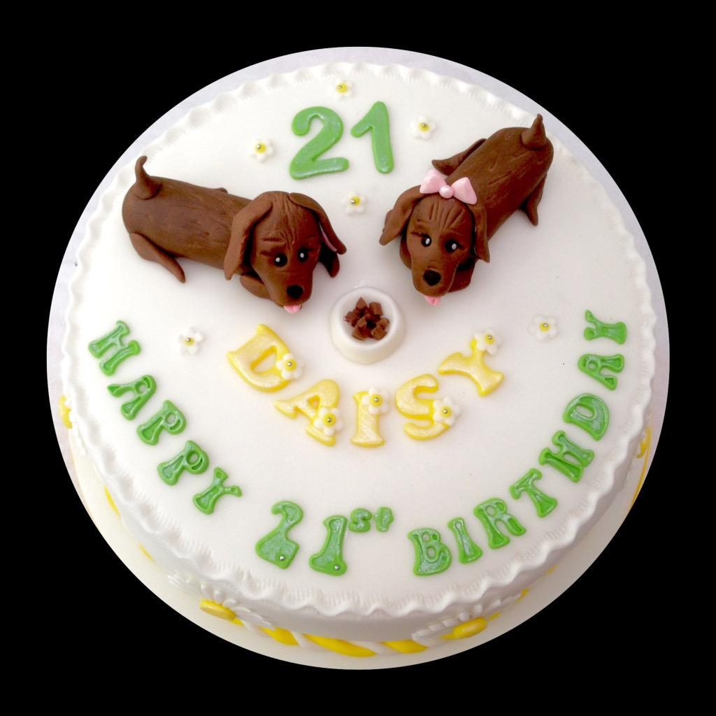 Cakes By Zozo On Twitter 2 Little Sausage Dogs Daisies Scattered