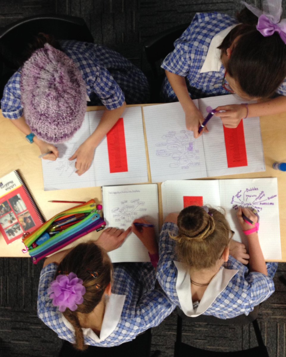 It's #colourday in #Year5! Wearing a touch of their favourite colour, girls wrote colour based poems #strathyPLN http://t.co/zFQrUDY0j5