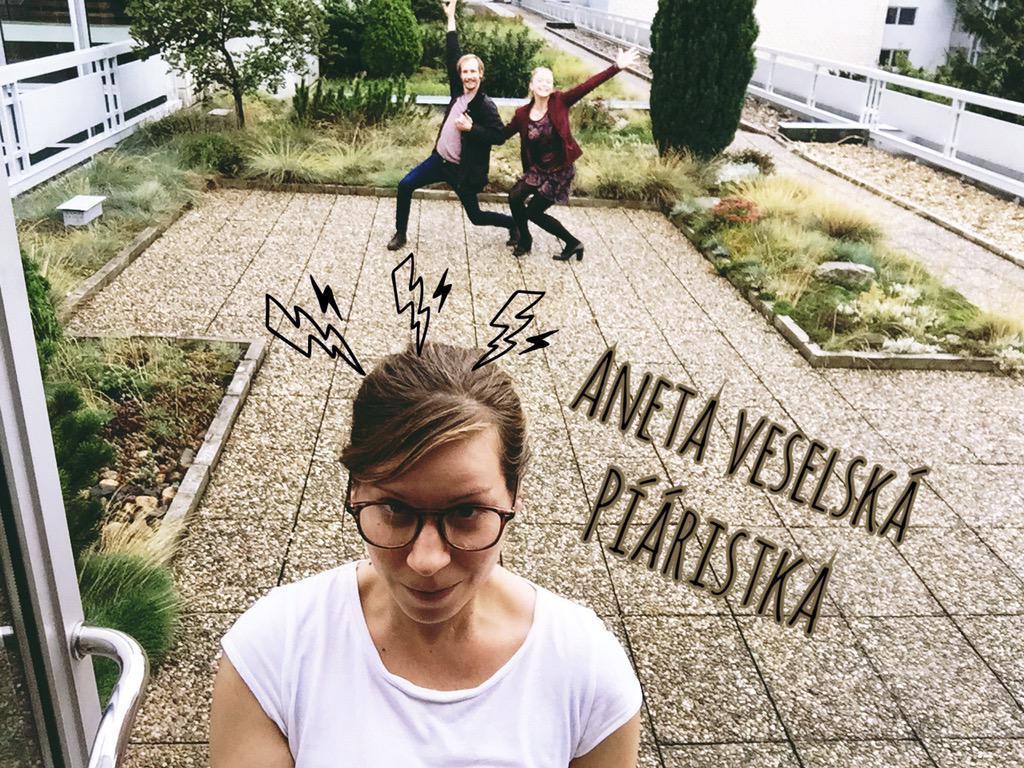 Série selfíček s těmi, co nám na Stardancu pomáhají, ale nejsou videt:-) http://t.co/sPk65Hfwso