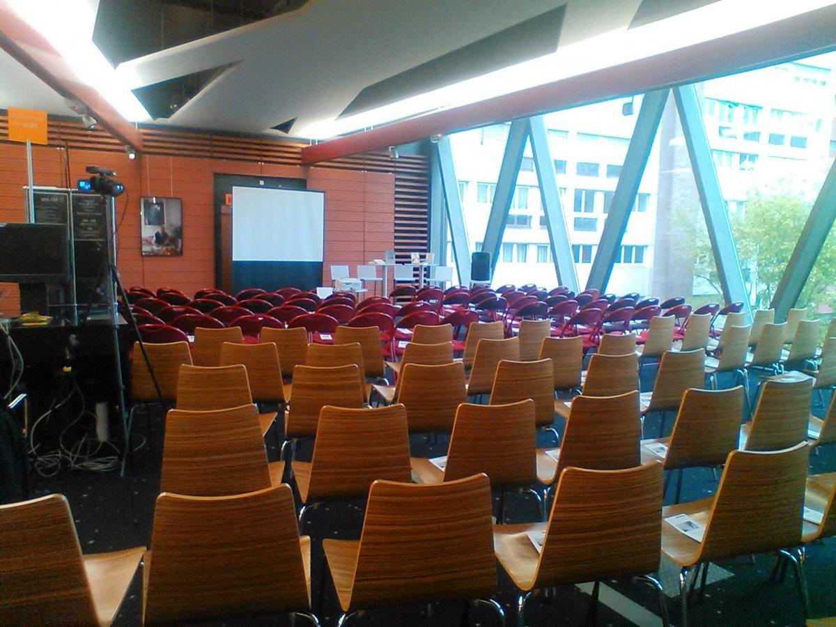 Le deuxième étage est prêt pour la soirée jeudi de l'actu écritures numériques! #numok http://t.co/xSVl2ZoTQE