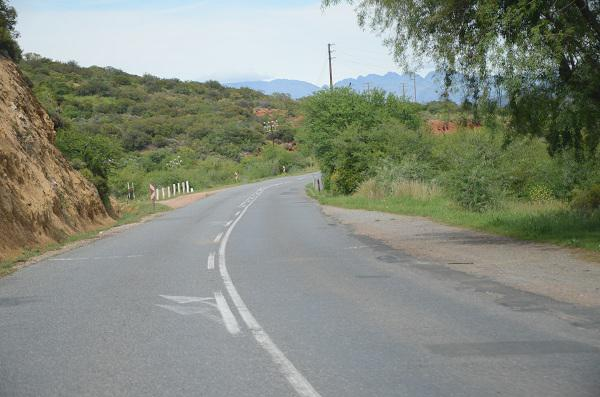 Upgrade on the cards for #Cogmanskloof road between Ashton and Montagu: http://ow.ly/Tqwuz @WCGovTPW #Roadworks