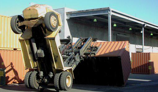#SAFETY: Do not handle loads that are heavier than the weight capacity of the forklift #forklift http://t.co/DBr8B72IkI