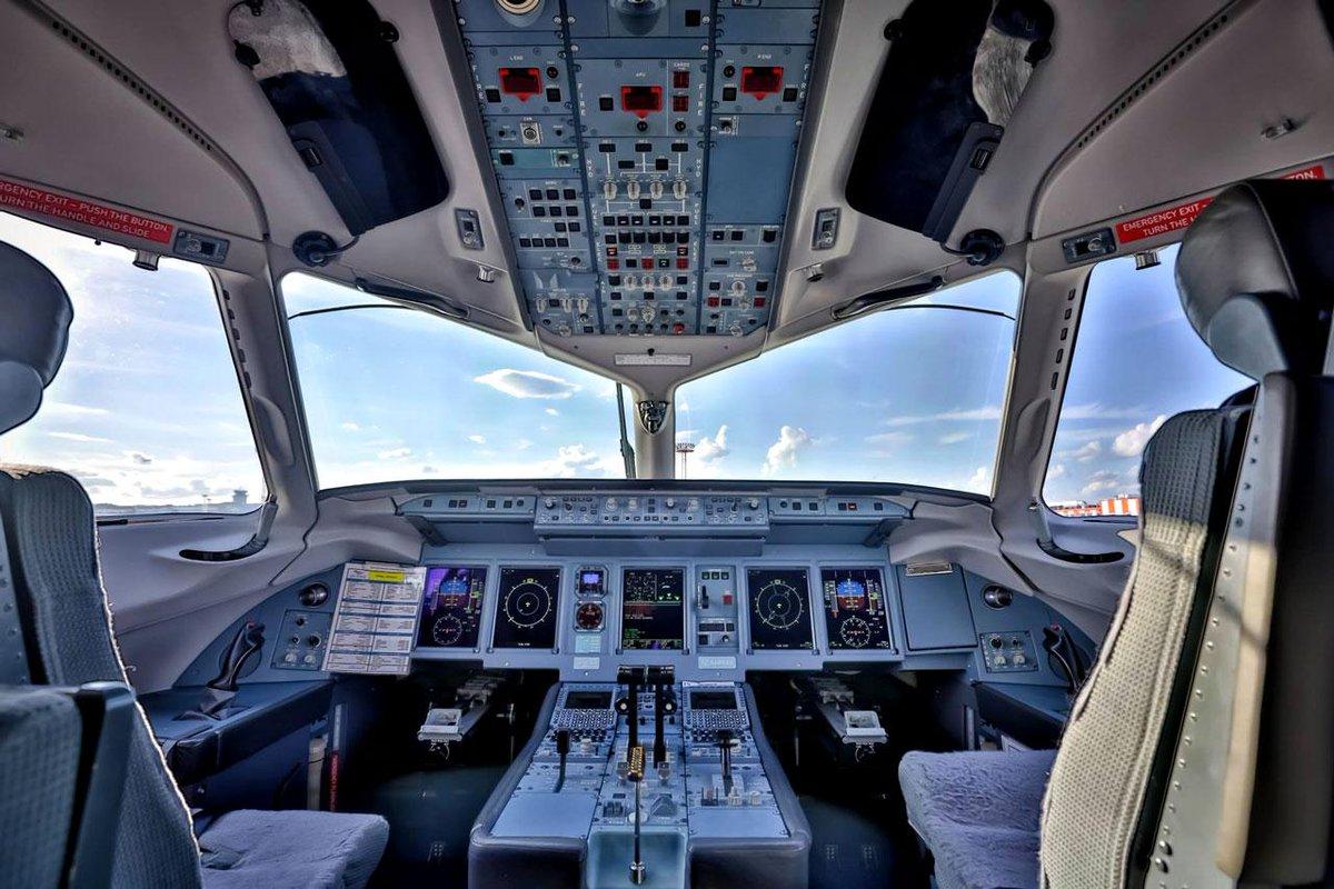 фото 100 кабины суперджет пилотов сухой