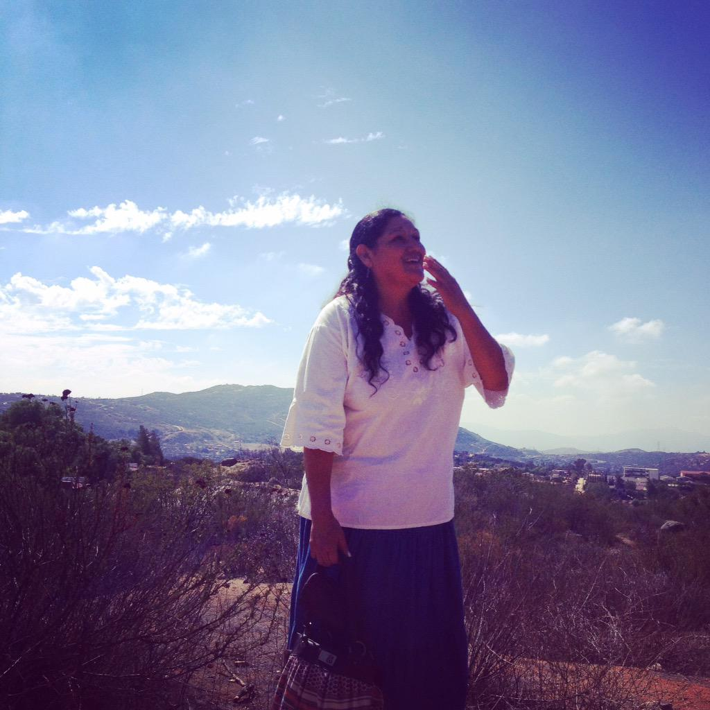 Esperanza shares her native #paipai traditions w youth in #Tecate #Mexico at Fundación La Puerta #naaee2015 http://t.co/ifeugoYtcr