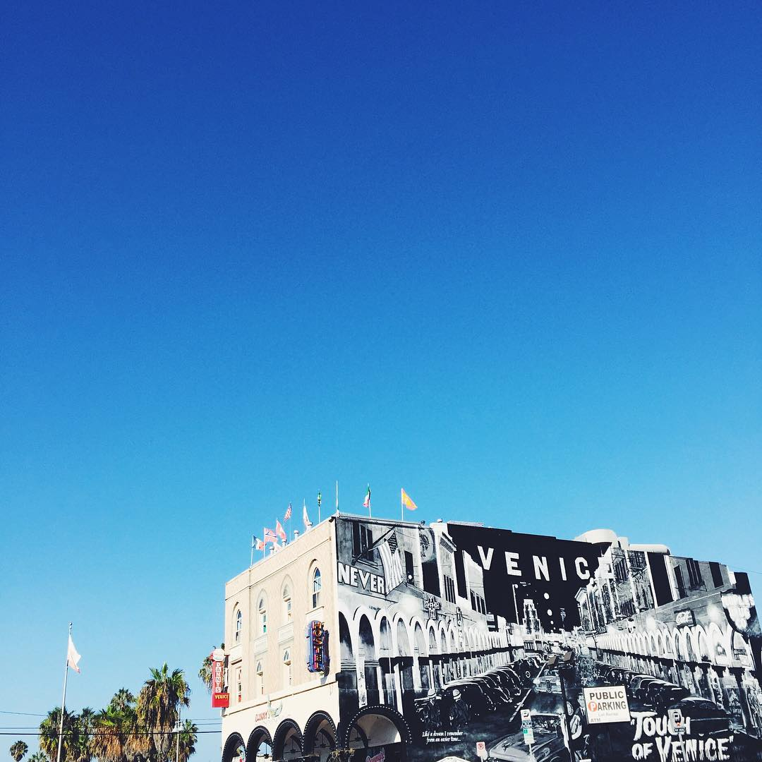 What do love the most about #VeniceBeach? #EdHardy #DonEdHardy http://t.co/bYtyf1KKd5