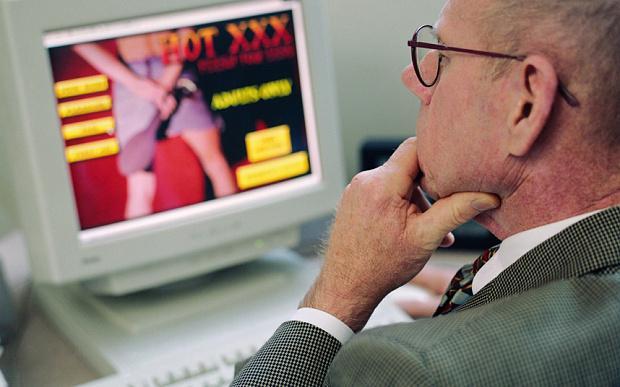 Верховный суд Италии разрешил просмотр порно на работе.