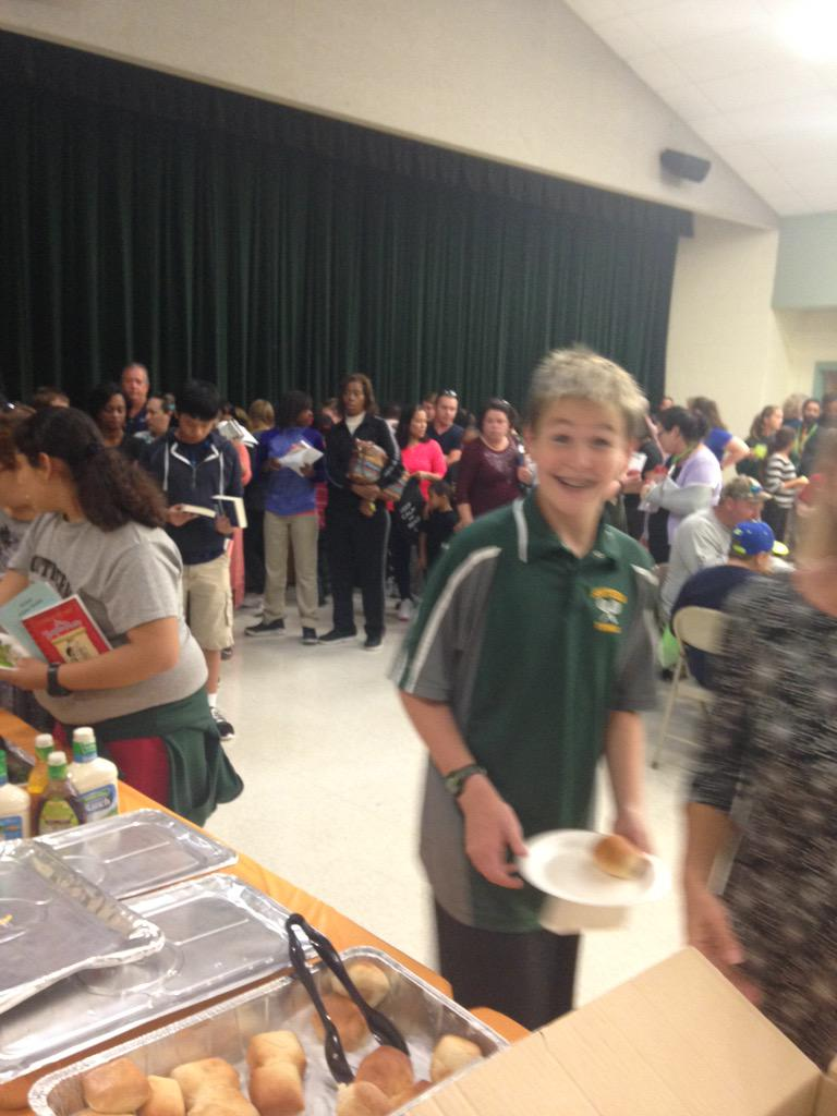 SMS tennis player enjoys reading night http://t.co/l5WJOIhw41