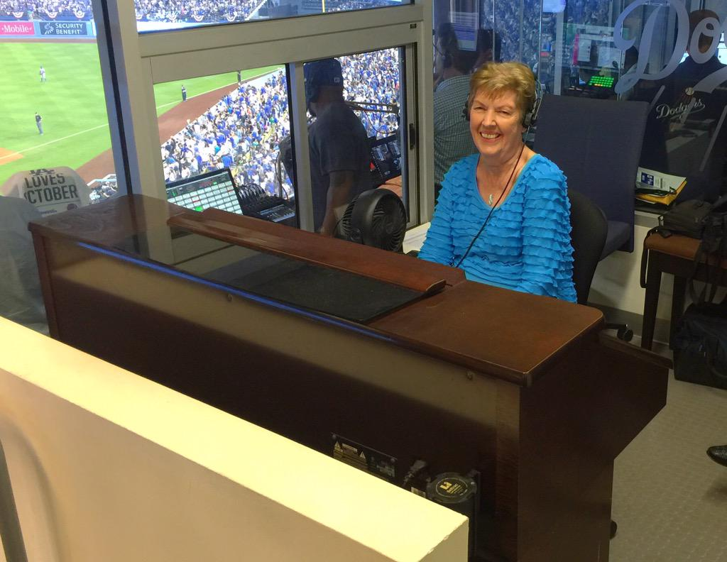 After 28 years and playing Take Me Out to the Ball Game more than 4,000 times for Dodgers, Nancy Bea is retiring. http://t.co/Z5tclIYcEL