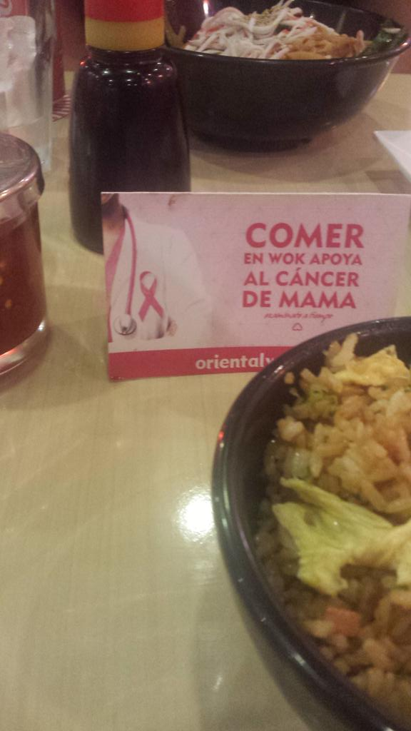 Al parecer por venir a comer aquí ya apoyé al cáncer. Viva el cáncer. http://t.co/lmg7qUTxF8